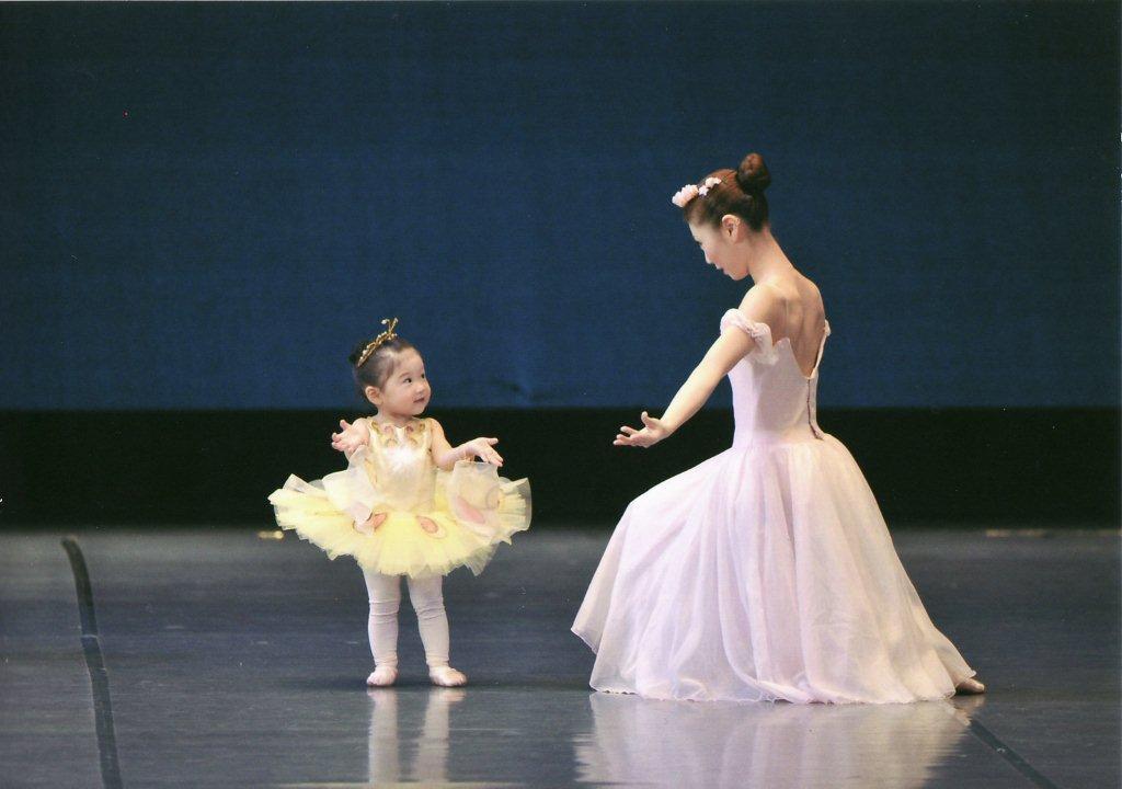 ママと子のプレバレエ